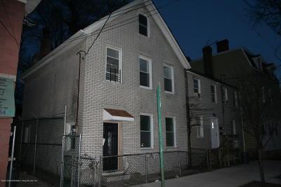 Single Family Home For Sale: 187 Targee Street