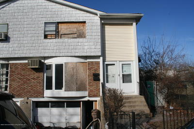 Staten Island Two Family Home Acceptance: 31 Albert Court