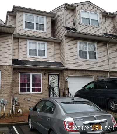 Staten Island Single Family Home For Sale: 265 Skyline Drive