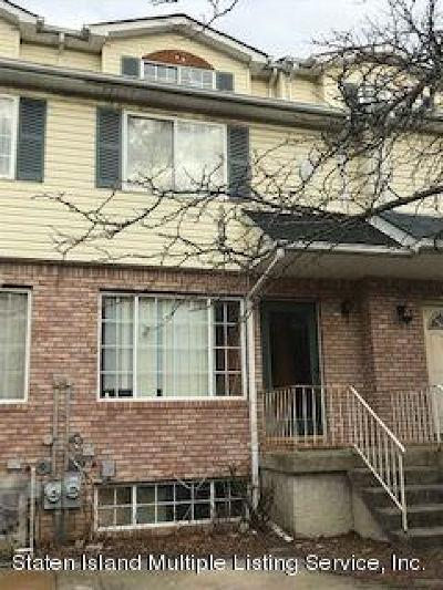 Staten Island Single Family Home For Sale: 22 Pelican Circle