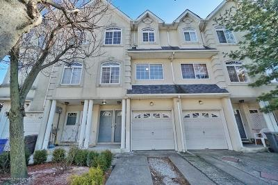 Staten Island Two Family Home For Sale: 28 Waterview Court