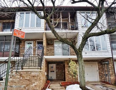 Staten Island Condo/Townhouse Acceptance: 40 Racal Court #B1