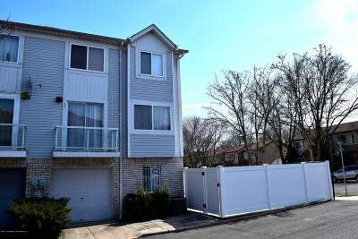 Staten Island Semi-Attached For Sale: 15 Peck Court