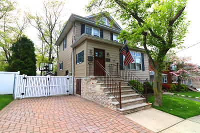 Single Family Home For Sale: 222 Mountainview Avenue