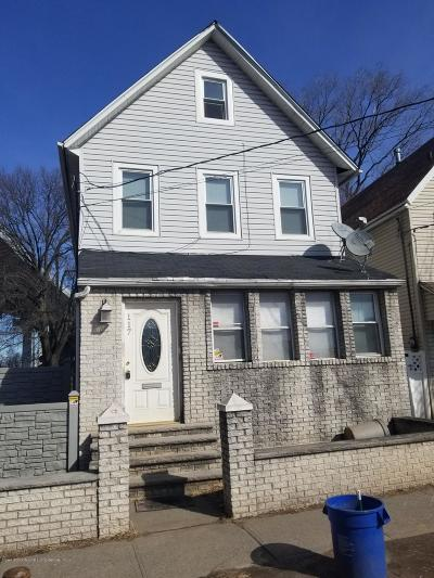Single Family Home For Sale: 117 Innis Street