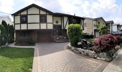Richmond County Single Family Home For Sale: 250 Barclay Avenue