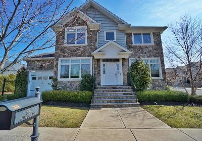 Staten Island Single Family Home For Sale: 56 Belwood Loop