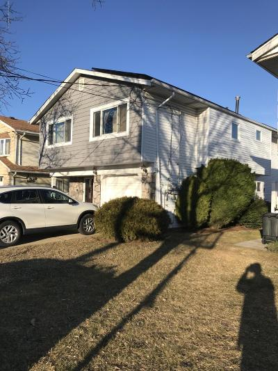 Staten Island Two Family Home For Sale: 113 Fieldstone Road