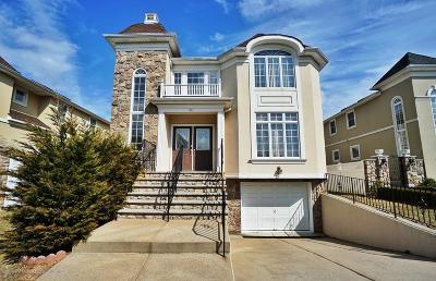 Staten Island Single Family Home For Sale: 53 St Edward Lane