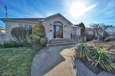 Staten Island Single Family Home For Sale: 183 Kensington Avenue
