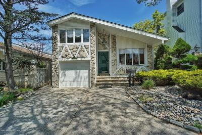 Single Family Home For Sale: 69 W Cedarview Avenue