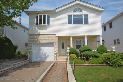 Staten Island NY Single Family Home For Sale: $798,000