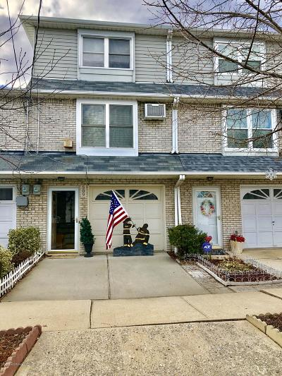 Staten Island NY Single Family Home For Sale: $489,000