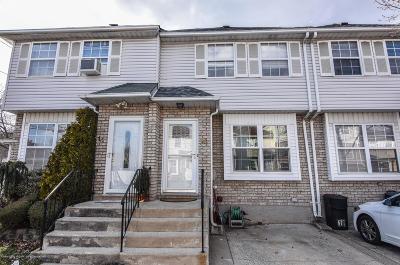 Staten Island Single Family Home For Sale: 16 Deborah Loop