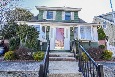 Single Family Home For Sale: 482 Greeley Avenue