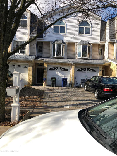 Staten Island NY Single Family Home For Sale: $469,000