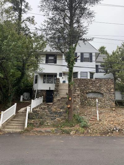 Single Family Home For Sale: 111 Monticello Terrace