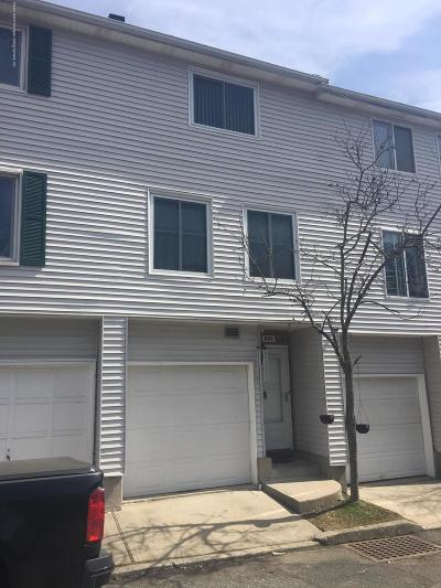 Staten Island NY Single Family Home For Sale: $259,900