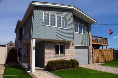 Staten Island Single Family Home For Sale: 11 Robinson Avenue