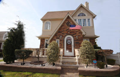 Staten Island Single Family Home For Sale: 118 Jacques Avenue