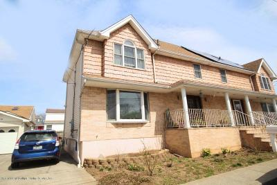 Semi-Attached For Sale: 19 Waterside Street
