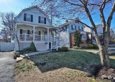 Single Family Home For Sale: 120 Bedell Avenue