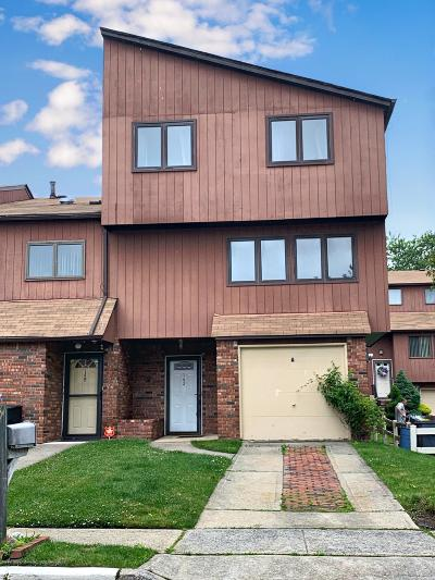 Single Family Home For Sale: 142 Gateway Drive