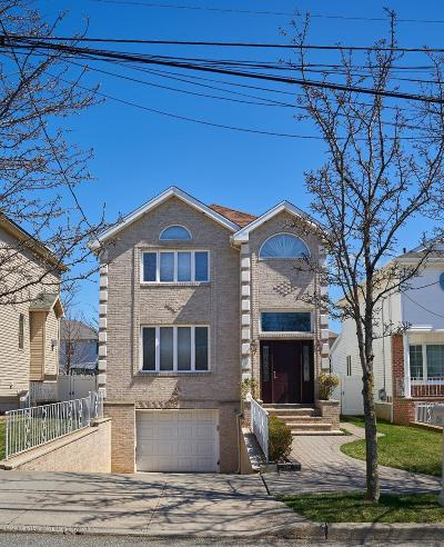 Single Family Home For Sale: 219 Aspinwall Street
