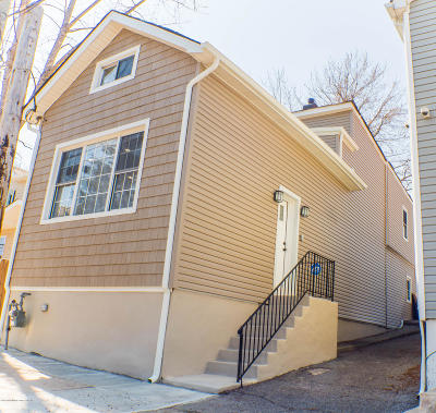 Single Family Home For Sale: 58 Harbor Road