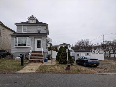 Single Family Home For Sale: 6 Hecker Street