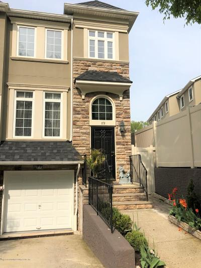 Staten Island Single Family Home For Sale: 172 Presentation Circle