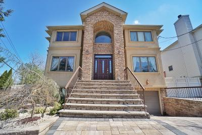 Staten Island Two Family Home For Sale: 15 Drew Court