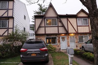 Staten Island Semi-Attached For Sale: 59 Carlyle Green