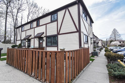 Staten Island Condo/Townhouse For Sale: 414 Hawthorne Avenue