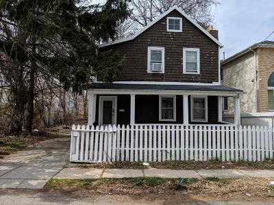 Single Family Home For Sale: 14 White Street