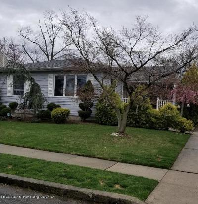 Staten Island Single Family Home For Sale: 296 Ridgecrest Avenue
