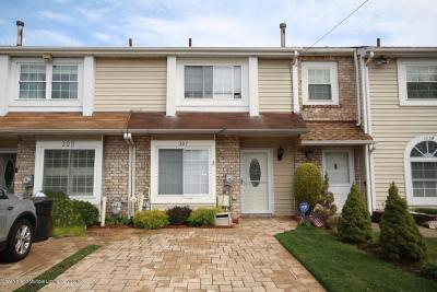 Staten Island Single Family Home For Sale: 307 Lamberts Lane