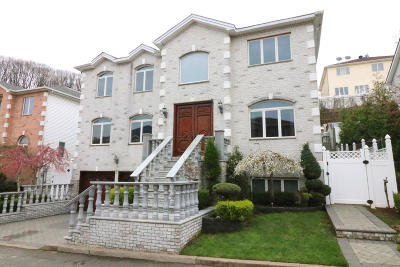 Staten Island Single Family Home For Sale: 67 Nicole Loop