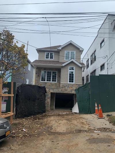 Staten Island Single Family Home For Sale: 32 Scribner Avenue