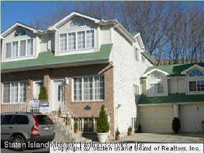 Staten Island Two Family Home For Sale: 71 Woodcutters Lane