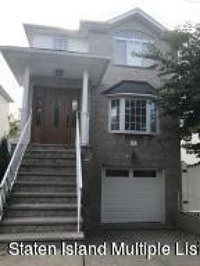Staten Island NY Single Family Home For Sale: $758,000