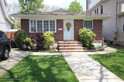 Staten Island Single Family Home For Sale: 215 Bancroft Avenue