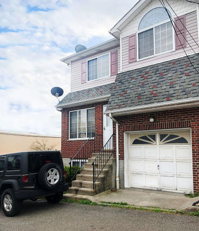 Staten Island Single Family Home For Sale: 14 Thistle Court