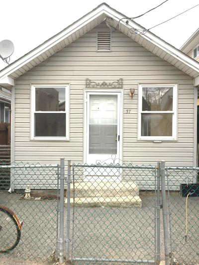 Staten Island Single Family Home Acceptance: 37 Milbank Road