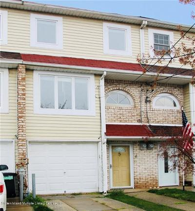 Staten Island NY Single Family Home For Sale: $529,000