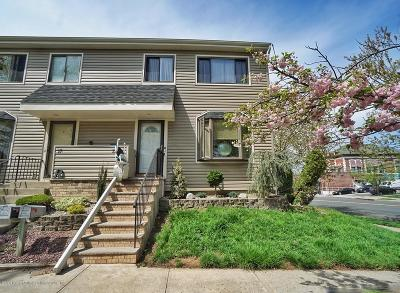 Single Family Home For Sale: 15 Berry Court
