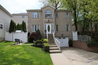 Single Family Home For Sale: 80 Sweetbrook Road