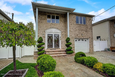 Staten Island Single Family Home For Sale: 35 Barrow Place
