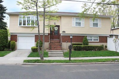 Staten Island NY Single Family Home For Sale: $699,800