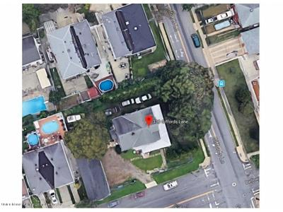 Staten Island Single Family Home For Sale: 330 Giffords Lane